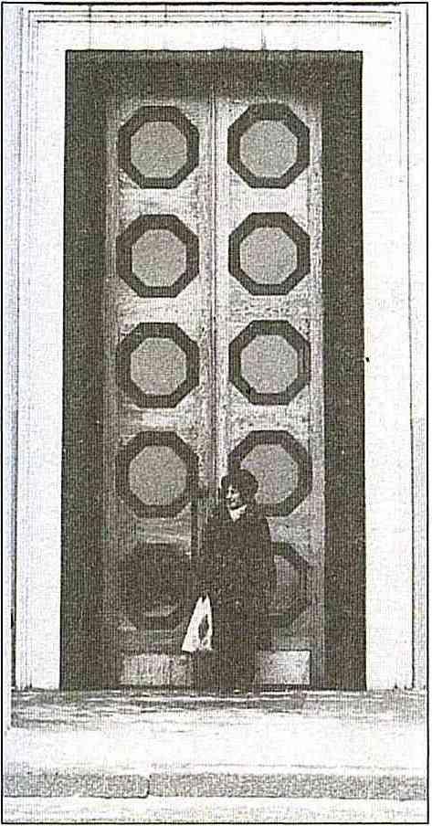 Дверь Главного павильона
