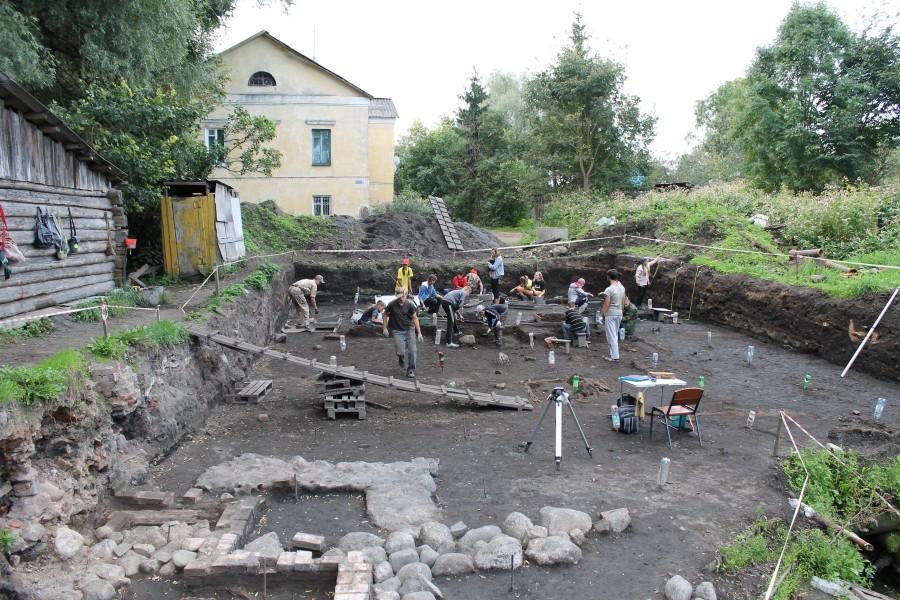 Вид на раскоп с севера