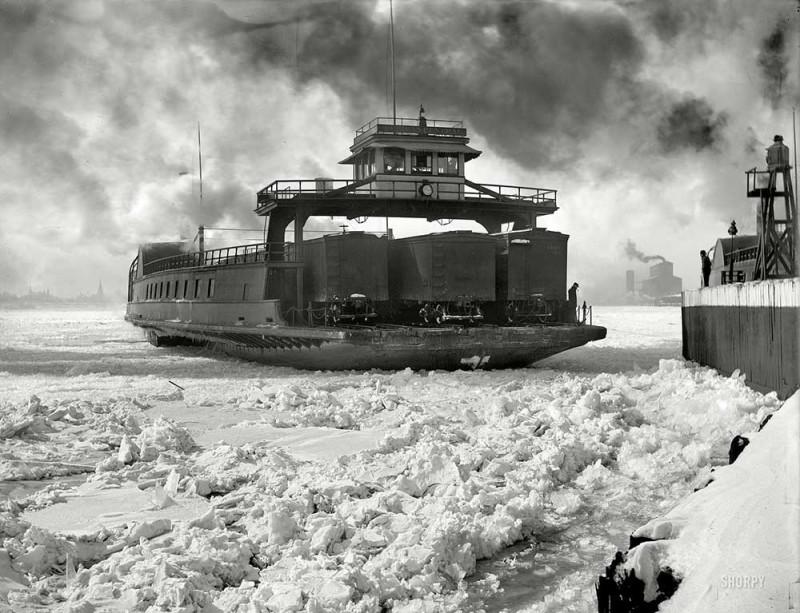 Detroit_River