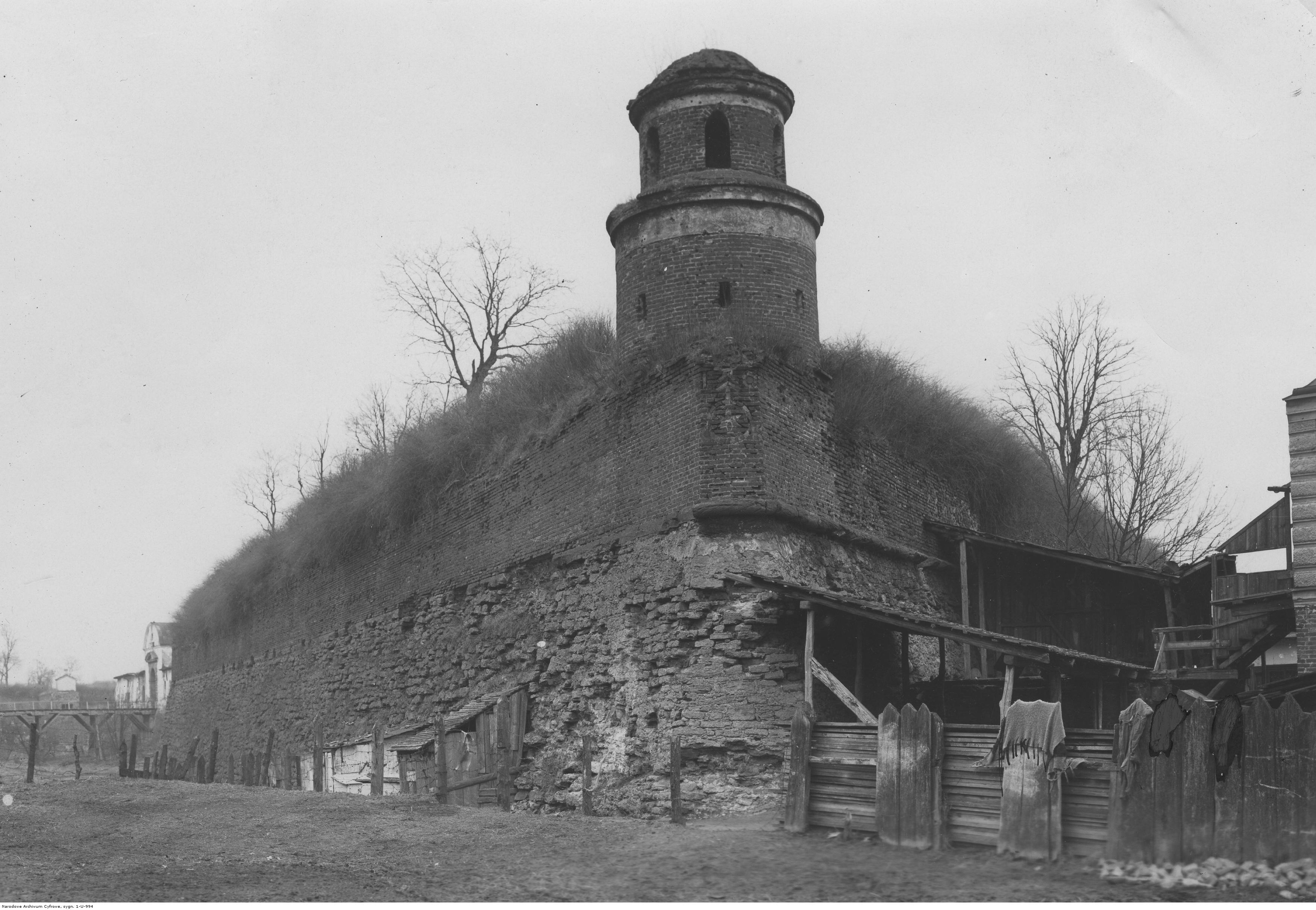 605049 Дубенский замок. Башня
