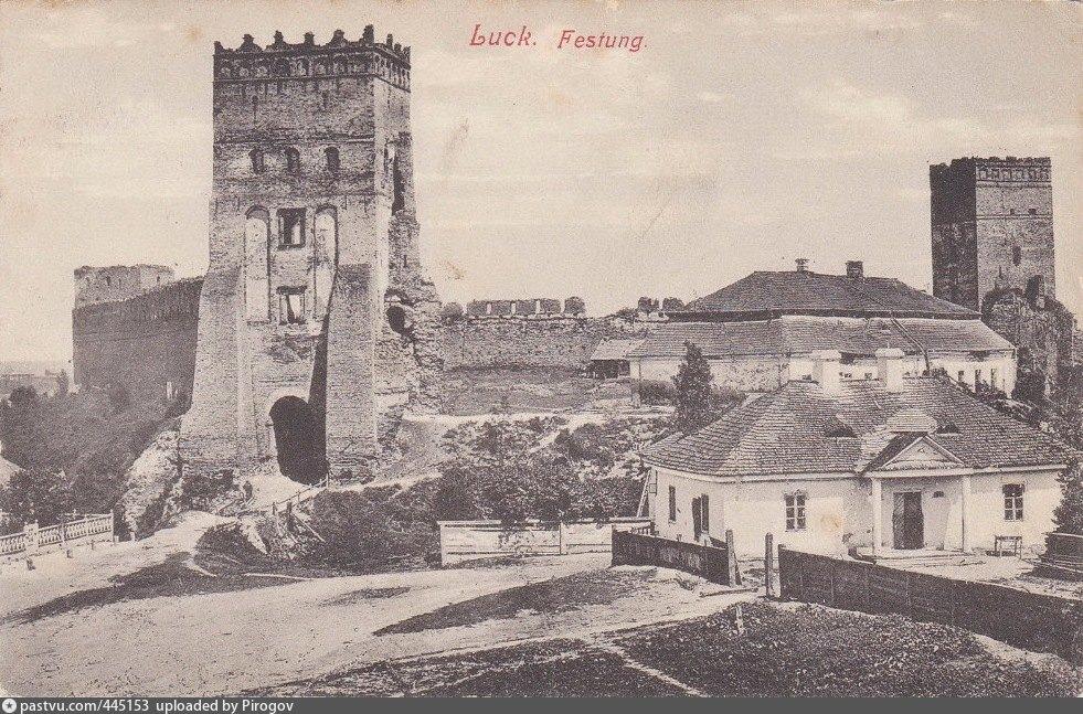 445153 Замок Любарта