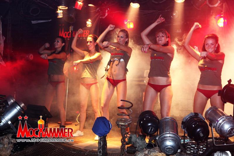 http://ic.pics.livejournal.com/starshinazapasa/19856618/471393/471393_original.jpg