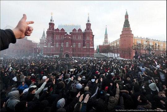 Ожидается мочилово,но цель неизменна: Навальный отказался от согласованного митинга на Сахарова и перенес акцию на Тверскую.