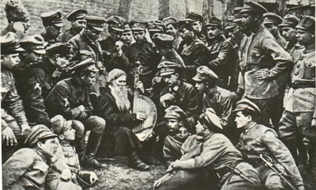 Soldiers of the Ukrainian People's Republic listening to a bard, 1917