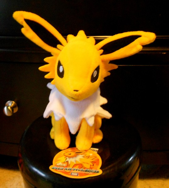jolteon tomy