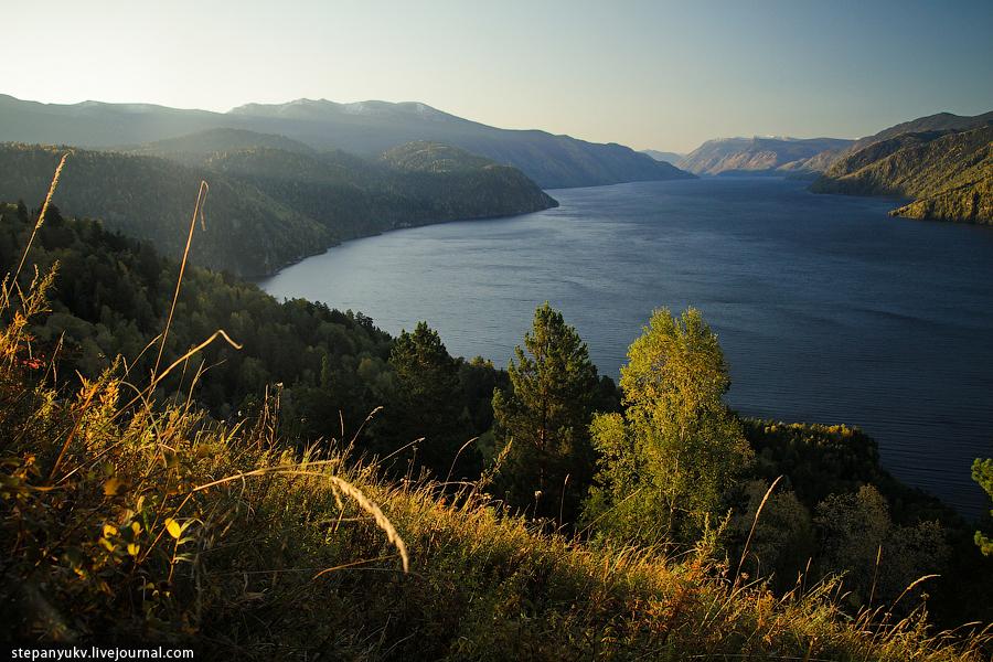 Телецкое озеро, со смотровой площадки на Васькиной горе