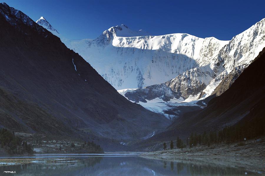 Белуха (Аккемское озеро)