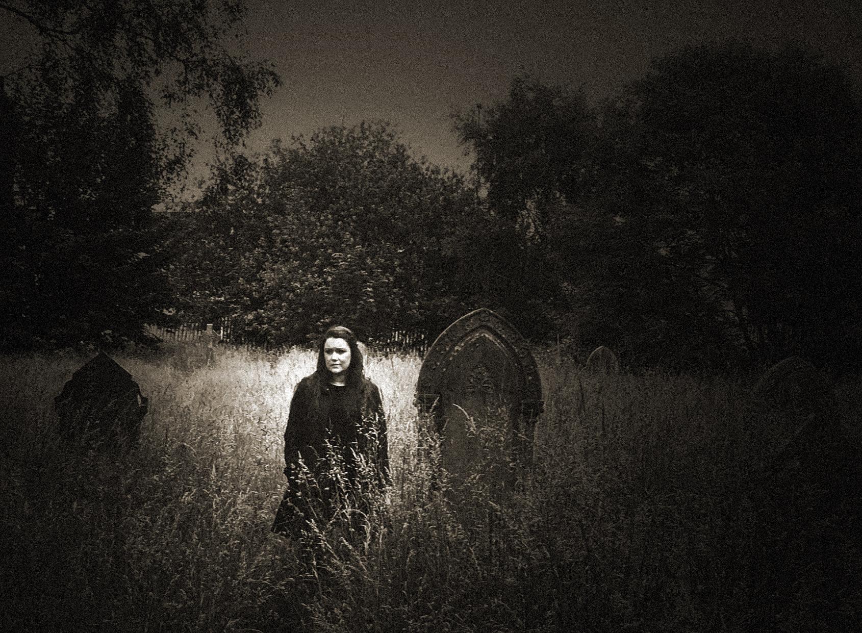 Demelza - Graveyard1.jpg