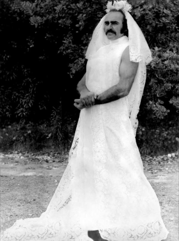 Sean-Connery-in-a-wedding-dress-600x807