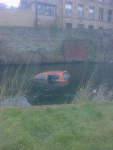 Huddersfield Narrow Canal 150415  (1).jpg