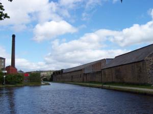 Slaithwaite Canal Walk 160515 (9).JPG