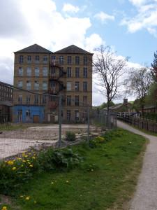 Slaithwaite Canal Walk 160515 (8).JPG