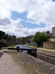 Slaithwaite Canal Walk 160515 (7).JPG