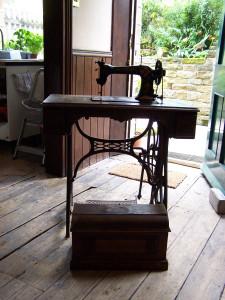 Jones Sewing Machine 020815 (3).JPG