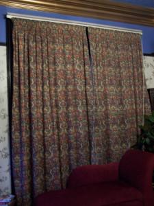 Front Room 231215 (5).JPG