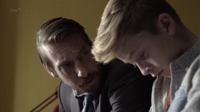 Prey.UK.S01E02.HDTV.x264-RiVER.mp4_001448800