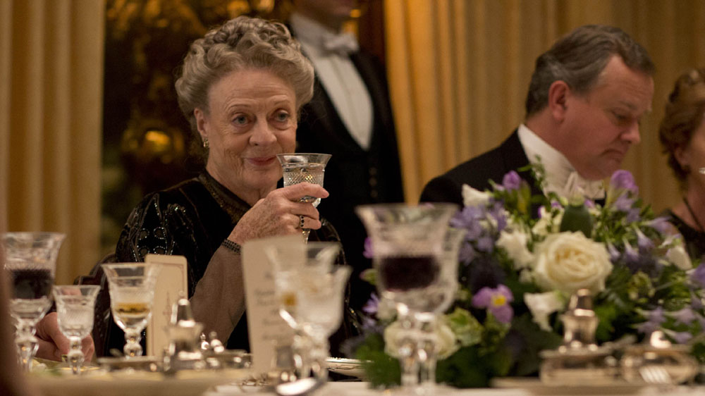 Downton-Abbey-5-7-Maggie-Smith.jpg