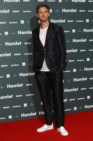 Dan+Stevens+Hamlet+Press+Night+Red+Carpet+Nq7zABoYB2xl.jpg