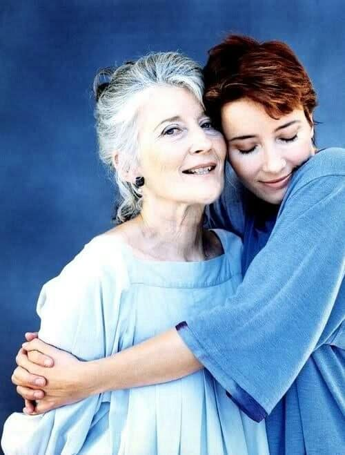 Emma Thompson with her mother Phyllida Law.jpg