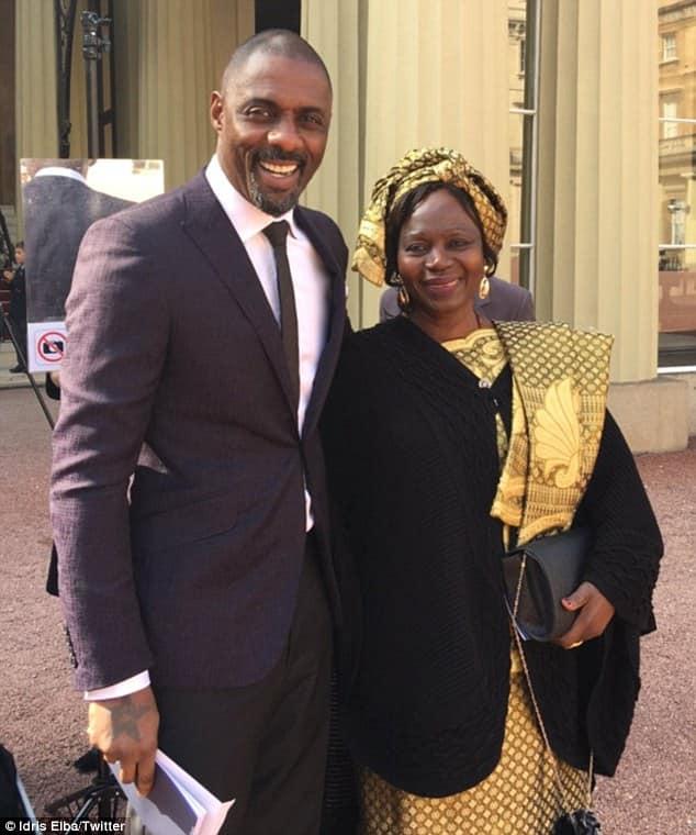 Idris Elba with his mother Eve Elba.jpg