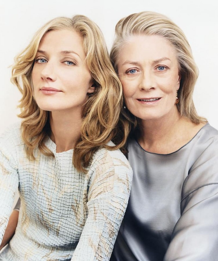 Joely Richardson with her mother Vanessa Redgrave.jpg