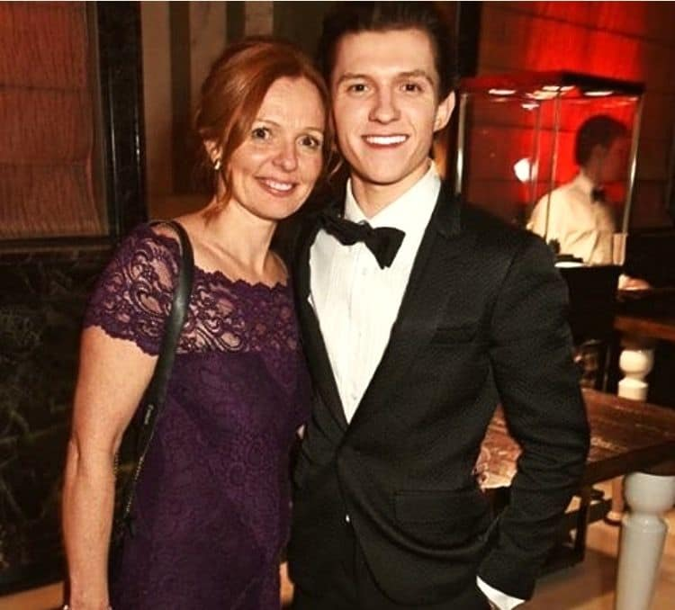 Tom Holland with his mother Nicola Elizabeth Frost.jpg