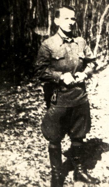 Фото, за яким НКВД здійснювало розшук Василя Кука, середина 1940-их. Архів ЦДВР
