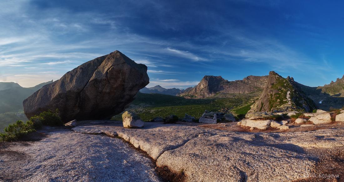 stone blue sky02.jpg