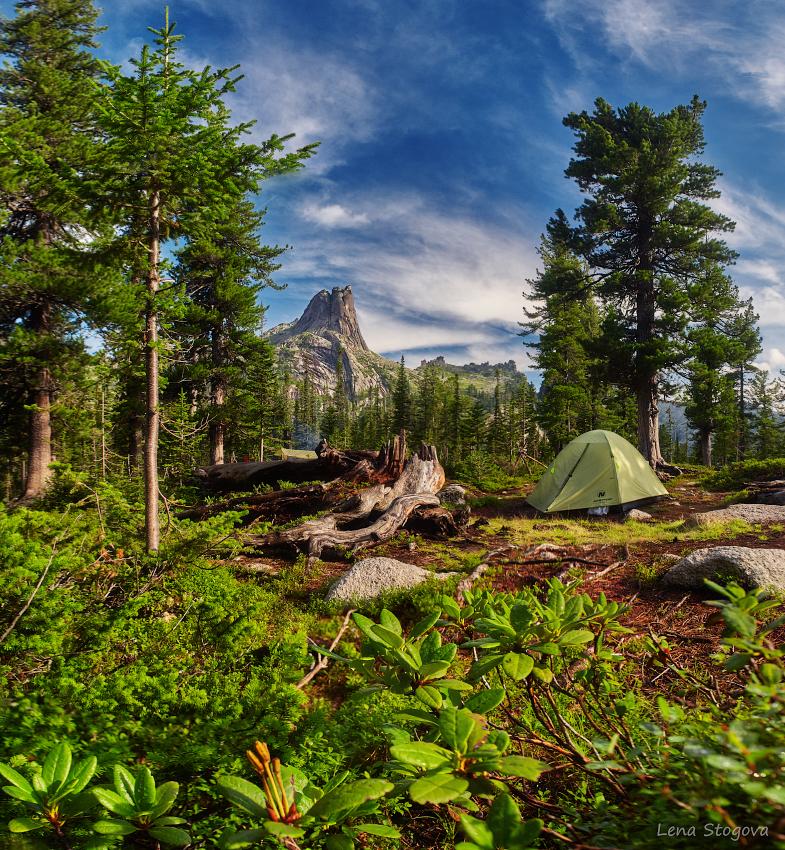 DSC_5786 camp warm lake blur copy.jpg