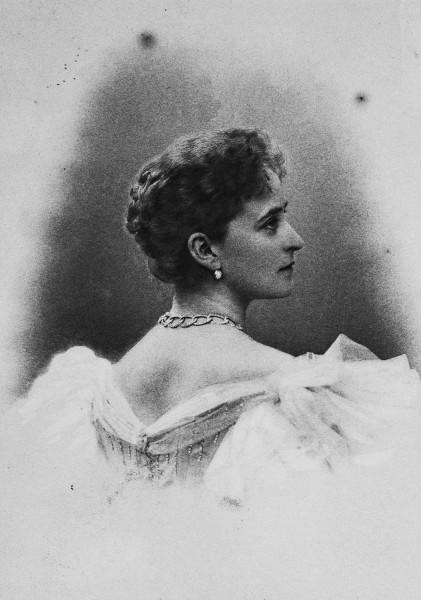 Elizaveta_Fedorovna_by_Alice_Hughes_(c.1897)