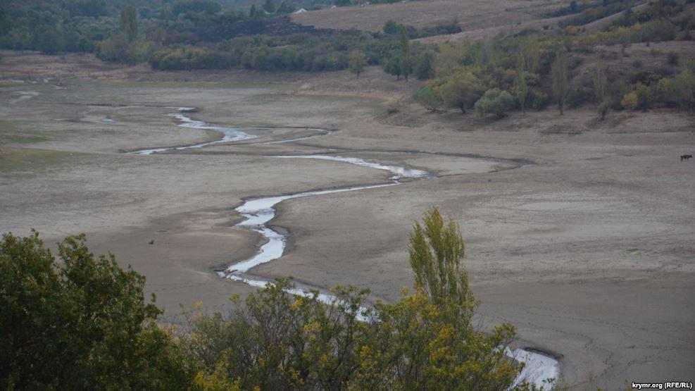 В Крыму верховья Белогорского водохранилища высохли