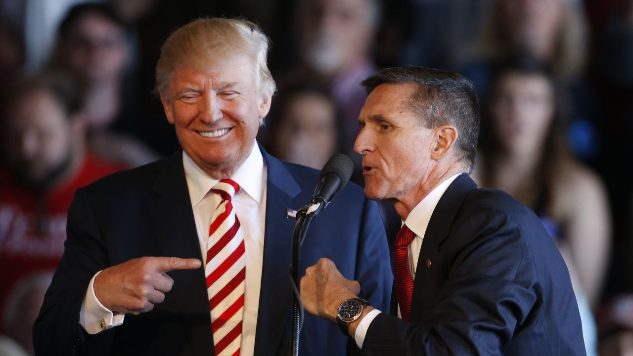 Советник Трампа обсуждал санкции с российским послом в США