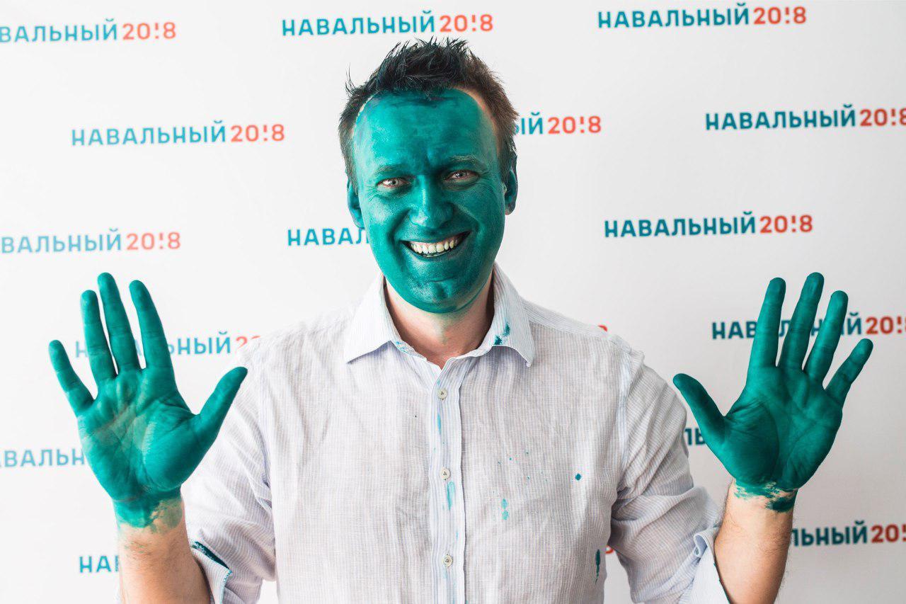 kto-risknul-oblit-navalnogo-zelenkoy_2
