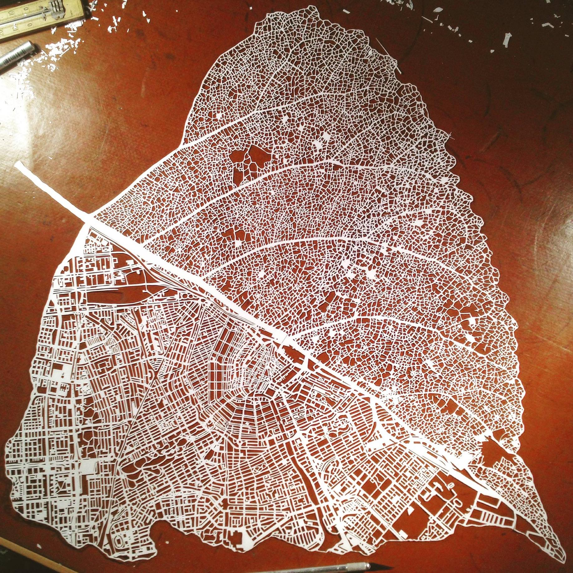 Paper-cut-leaf-map-of-Amsterdam