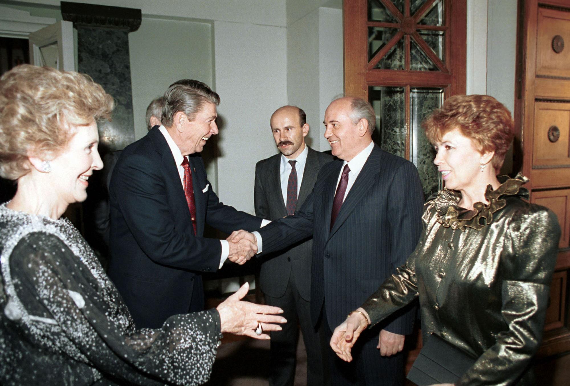 Lossel-Reagan-USSR-1