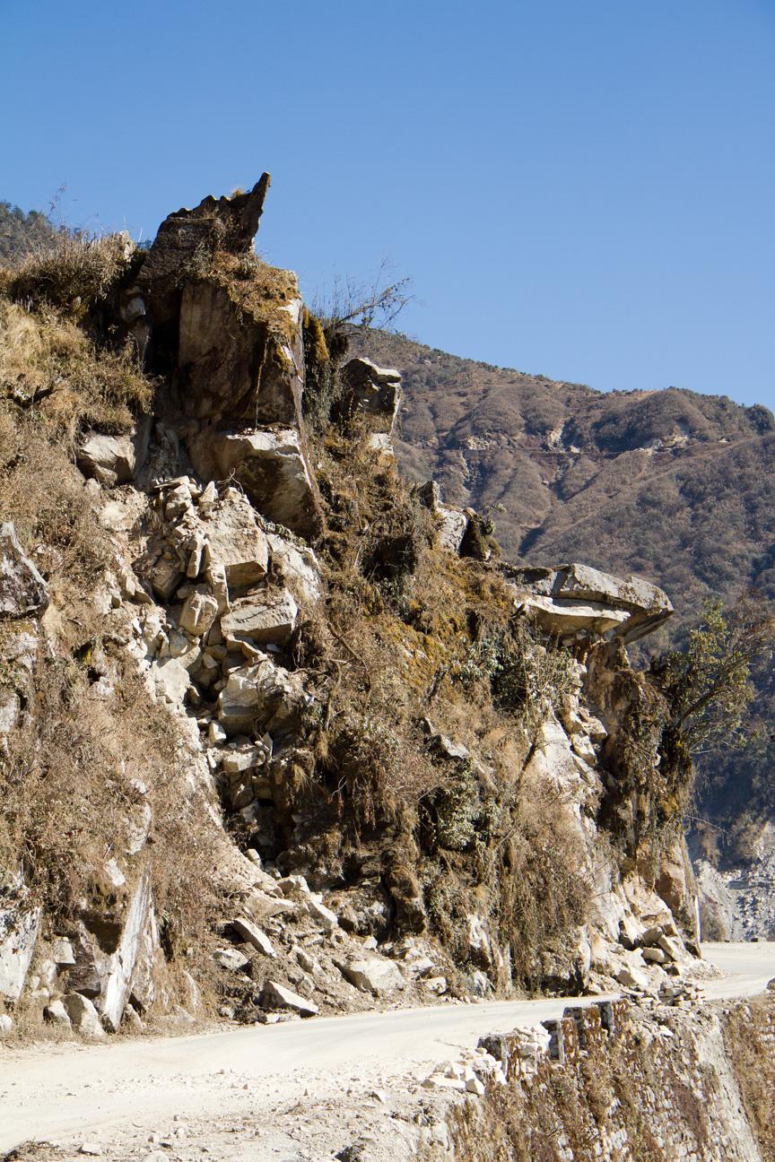 Дорога Гангток - озеро Цонгмо (Сикким, Индия). Gangtok - Tsongmo lake road (Sikkim, India)