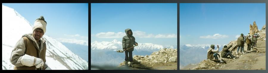 Индийские рабочие в Гималаях. Ладакх, Индия (Ladakh, India).