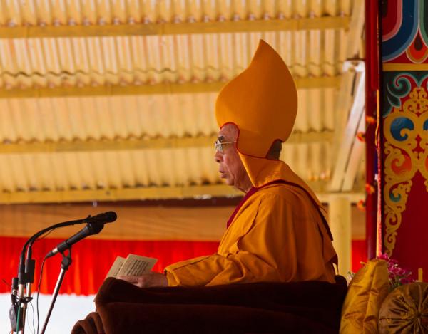 Далай Лама на учениях. Teaching of the Dalai Lama