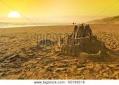 Фотостоки, микростоки. Темы (тренды) мая. Песочные замки (Sand castles)