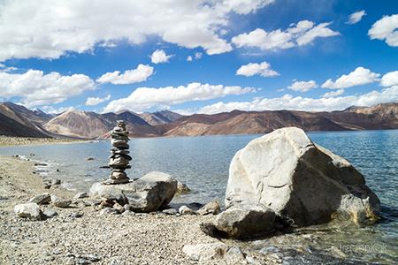 Озеро Пангонг Цо (Ладакх, Индия). Сад камней. Pangong Tso lake (Ladakh, India)