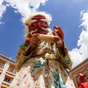 Religion. Cham Dance. Masked and costumed mystery dance of Tantric Buddhism. Sagaan Ubgen. Old white man. Танец Цам - сакральная костюмированная церемония Тантрического буддизма. Белый Старец, Сагаан үбгэн