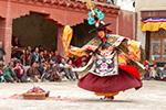The Tibetan Black Hats Dance - the story of origin. About morality in Tibetan Lamaism. Тибетский Танец Чёрных Шляп - история возникновения. О нравственности в тибетском ламаизме