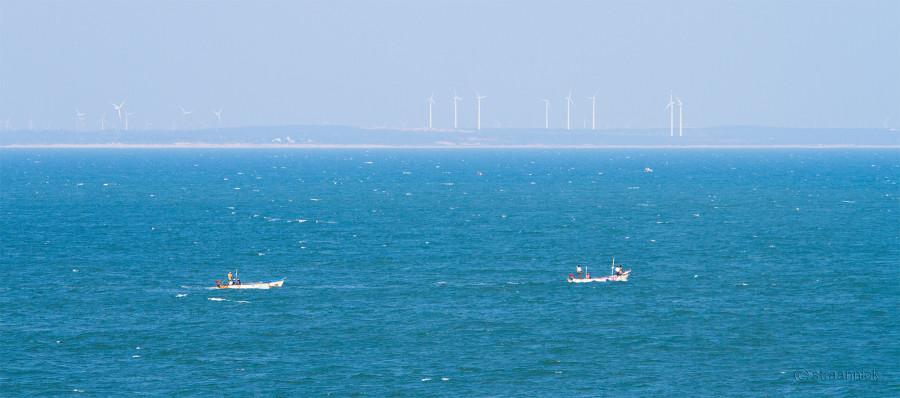Слияние трех морей в Каньякумари (Индия).