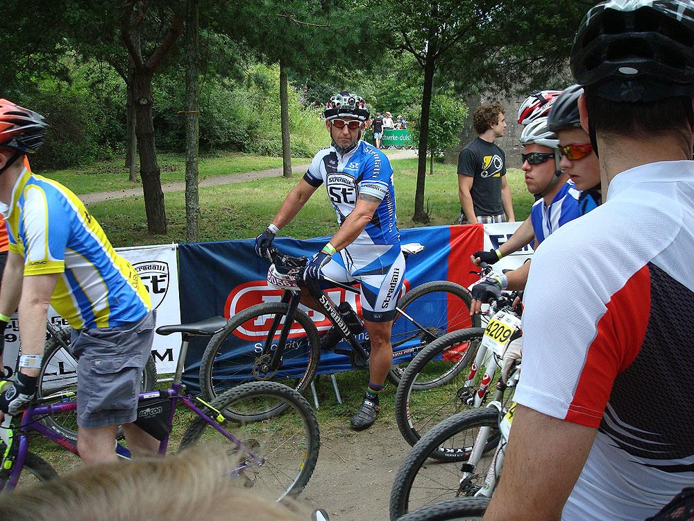 team_stradalli_mtb_races_grant_potter_start.jpg
