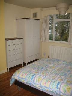 2-door wardrobe and chest of drawers