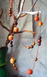 бусики оранжевые