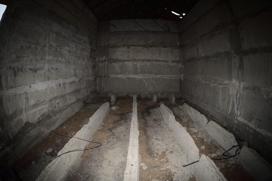 ПРОСТОРНАЯ (умирающая) заброшка находится, Внутри, здание, время, рядом, можно, запустение, условно, место, Корпус, самое, самом, Электроподстанция, хранилище, верху, Насосная, прямо, используют, Резервуар, Склад
