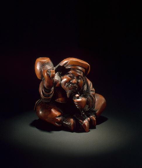 Дайкоку в виде скульптора, изготавливающего изображение крысы