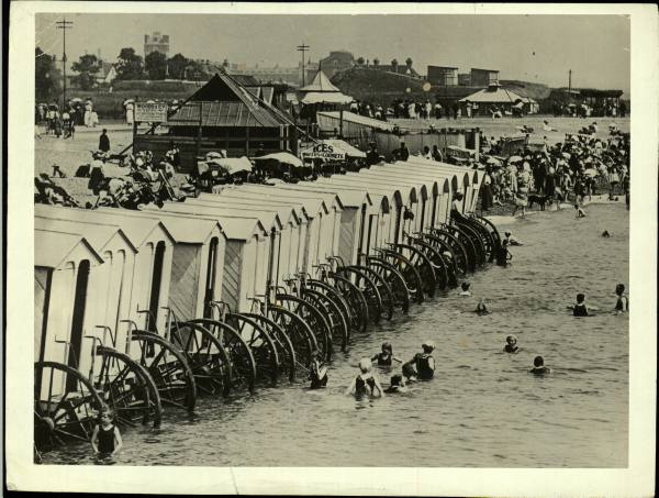 bathing-machines-time-life