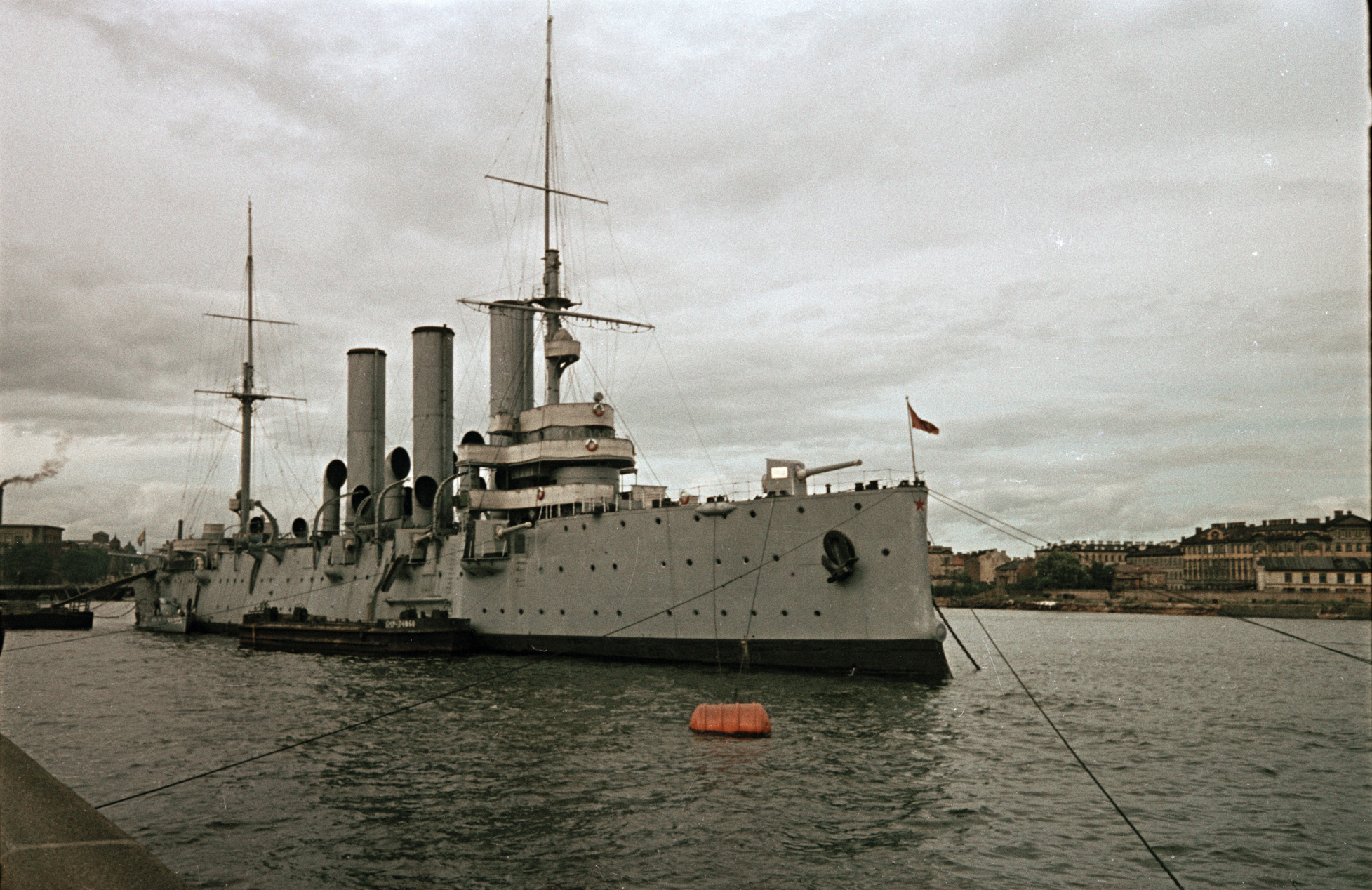 цвет кожи крейсер аврора советские фото для